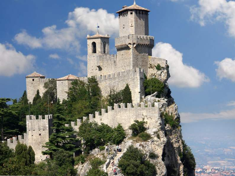 20 of the worlds most magnificent castles 2
