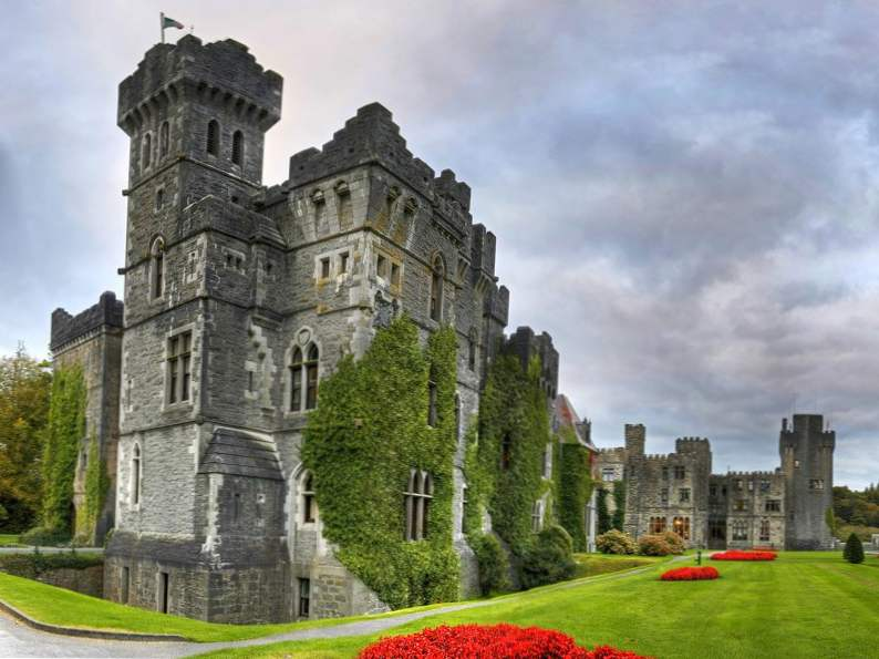 20 of the worlds most magnificent castles 4