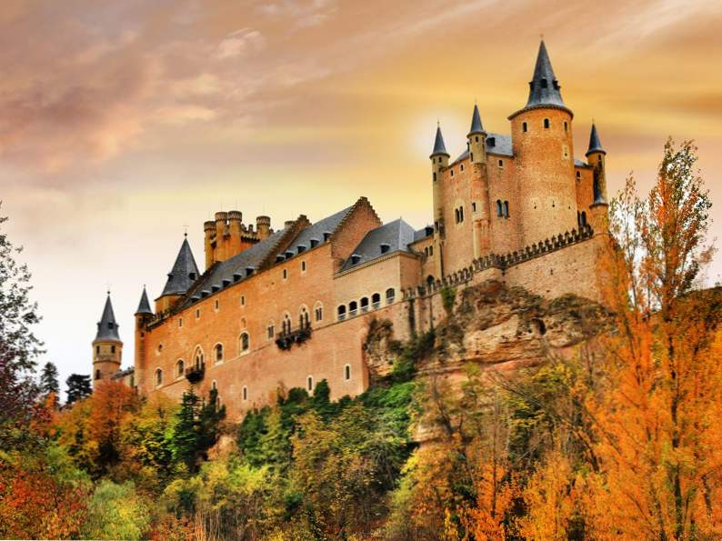 20 of the worlds most magnificent castles 5