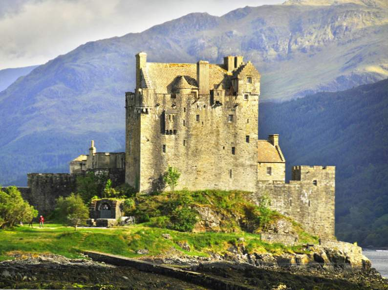 20 of the worlds most magnificent castles 7