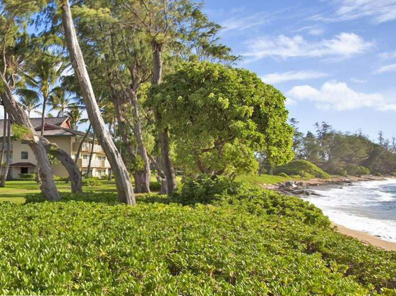 9 most affordable beach resorts in hawaii 8