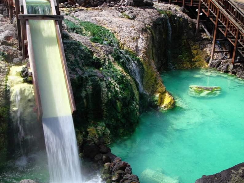 9 stunning natural hot springs 4