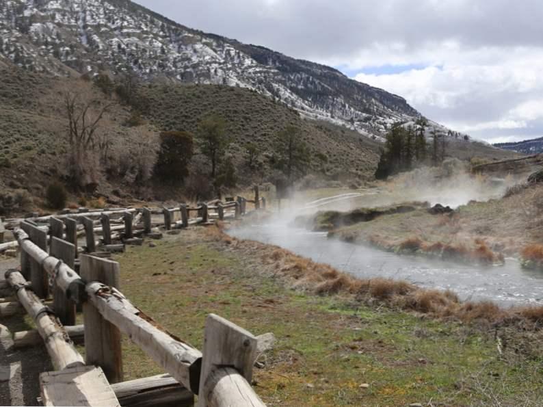 9 stunning natural hot springs 5