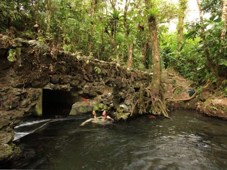 9 stunning natural hot springs 7