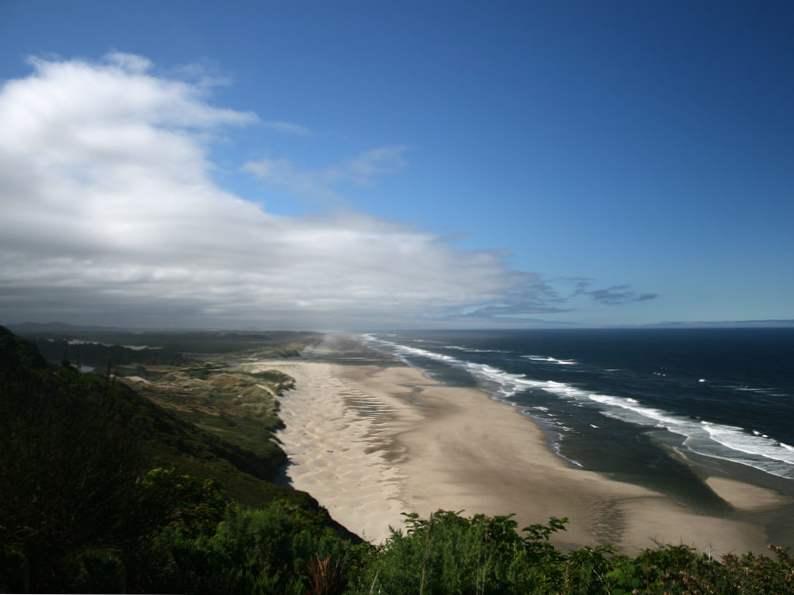 beautiful beach towns to visit along the oregon coast 9