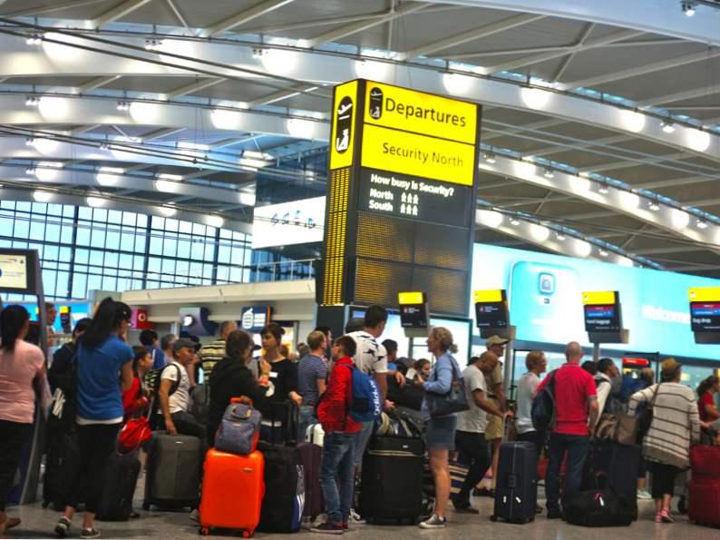 how to afford a holiday getaway despite seasonal price hikes 3