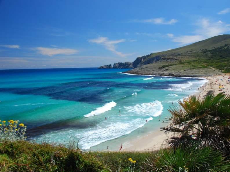 most popular celebrity vacation hot spots