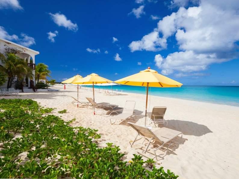 most popular celebrity vacation hot spots 12