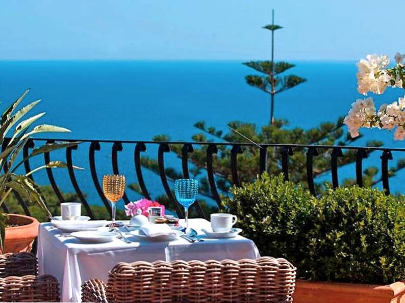 the most romantic resorts in italy 7